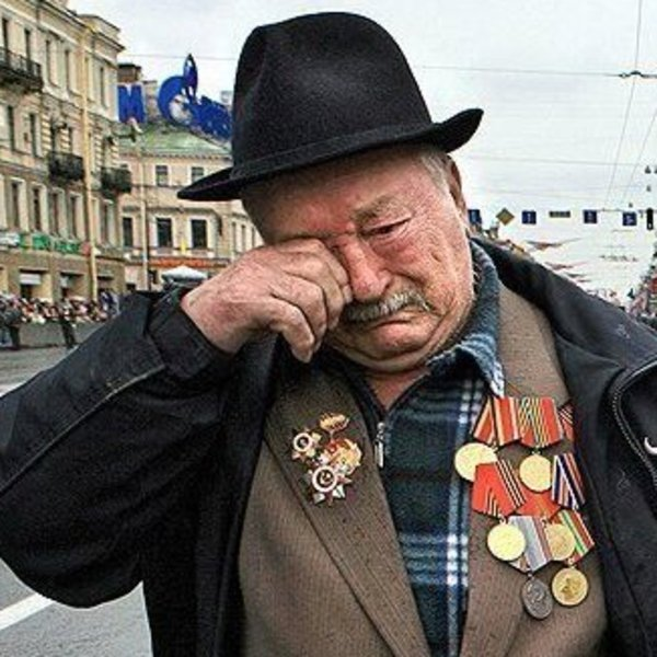 last veteran of wwii battle group marching alone in victory day