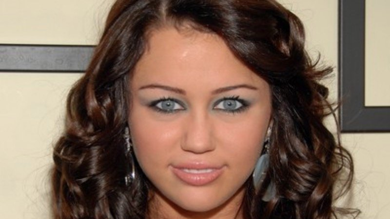 Miley Cyrus' Blue Eyes | Know Your Meme