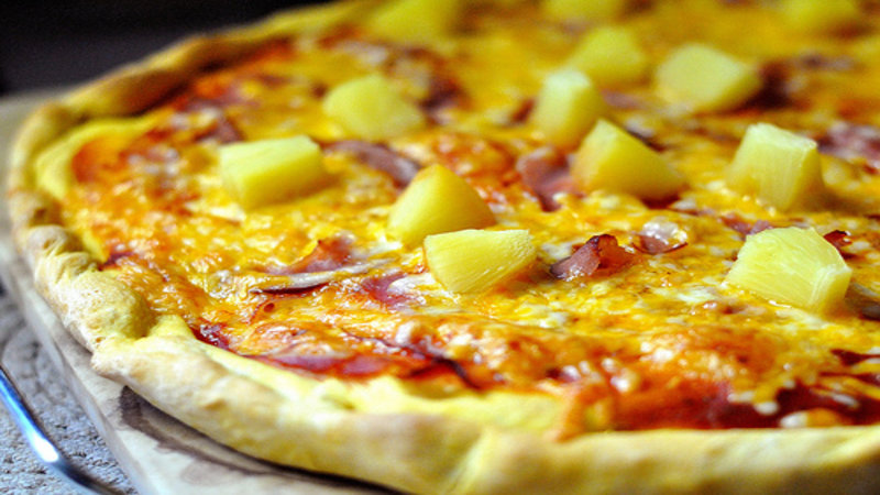 Pineapple On Pizza Debate Know Your Meme