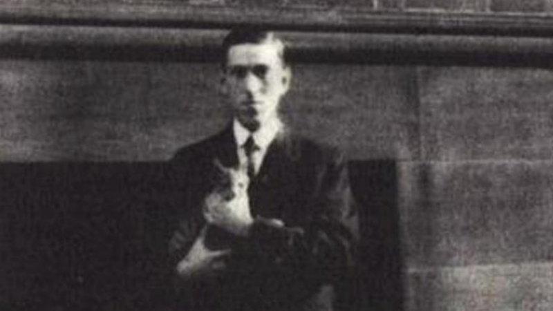 H.P. Lovecraft with Frank Belknap Long's cat, Felis.
