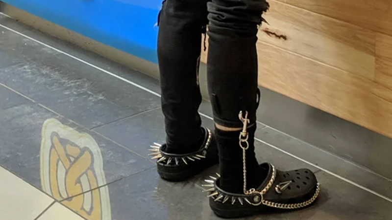 8bbd1e4a3 Goth Crocs
