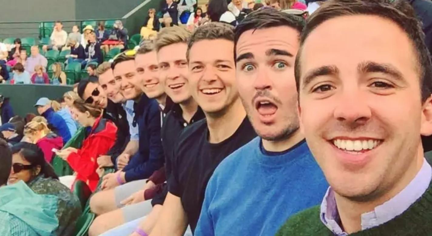 Guys of selfie pics 15 Poses