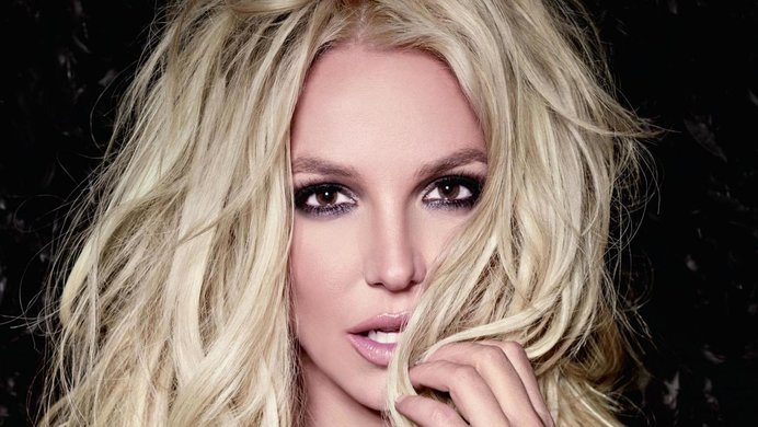 Britney Spears Posts Another Swimsuit Pic and Looks Flawless