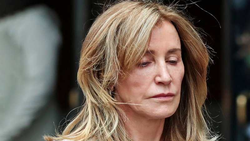 """Felicity Huffman Sentenced Two Weeks Prison For Participation In """"Operation Varsity Blues"""" Scandal"""