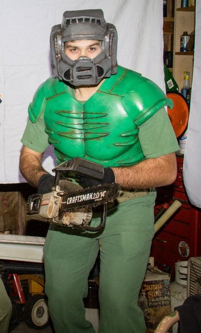 Doomguy By U Onewithmyface Cosplay Know Your Meme