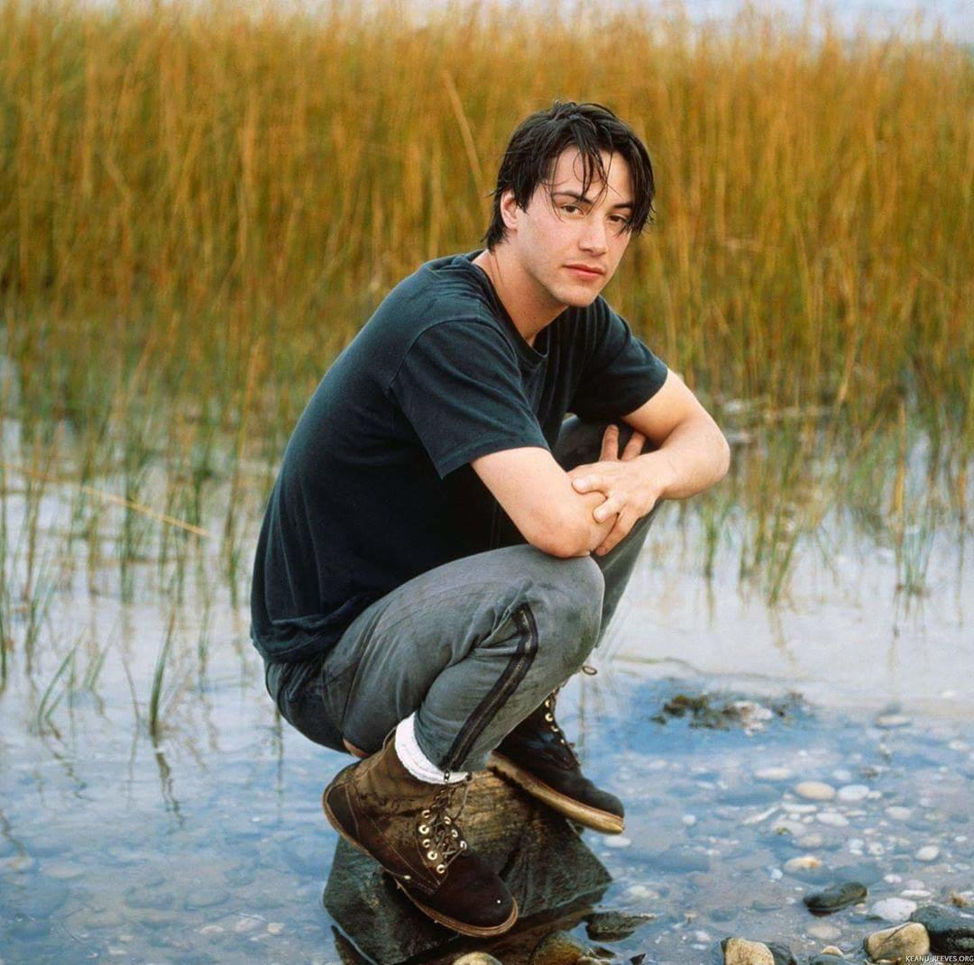 Young Keanu Being Peacefully Awesome R Keanubeingawesome Keanu Reeves Know Your Meme
