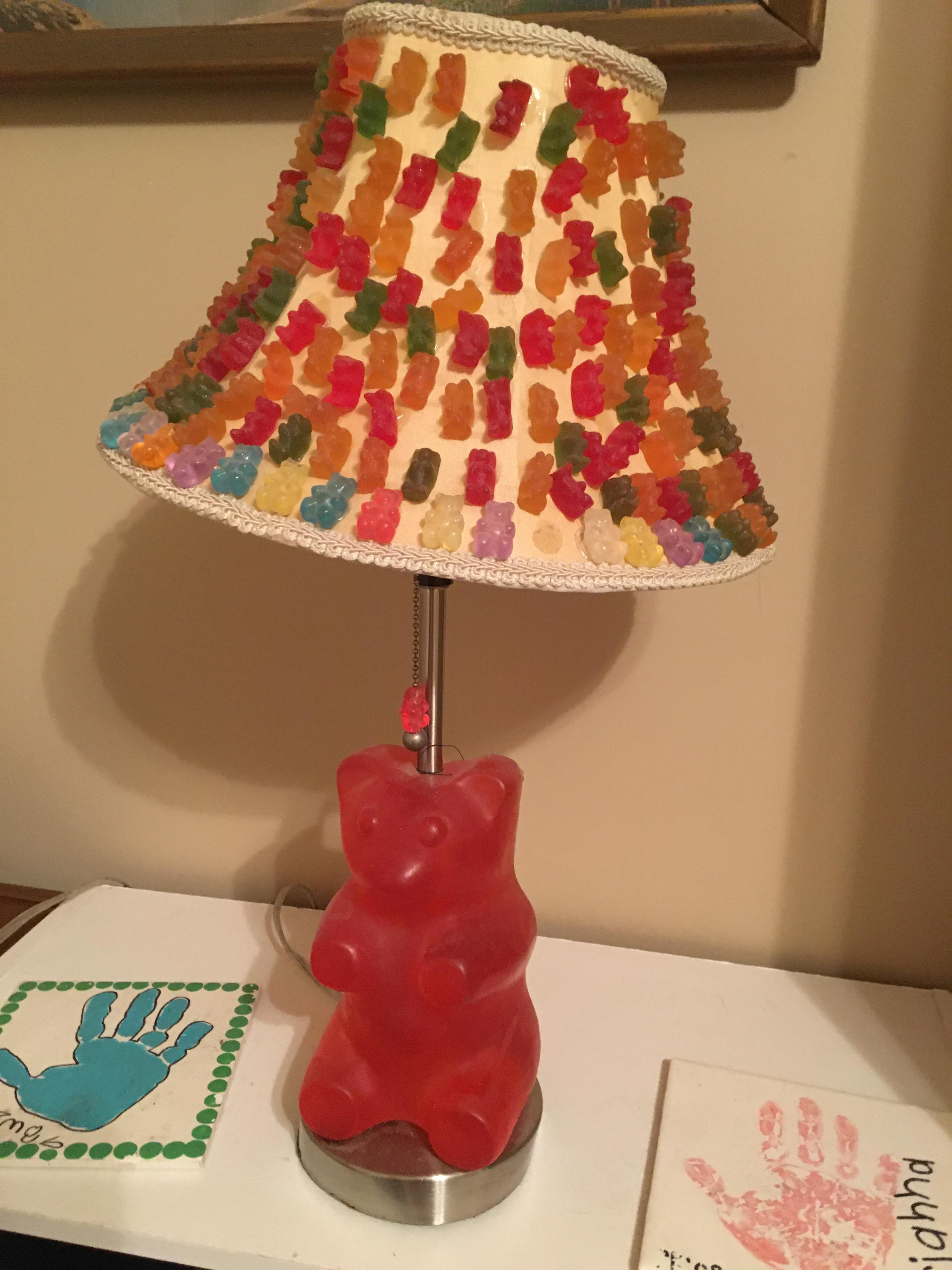 If Anyone Ever Wondered What Happened To That Darn Gummy Bear Lamp From The Icarly Set It S At My Mother S House My Sister Won A Nickelodeon Contest Back In The Day