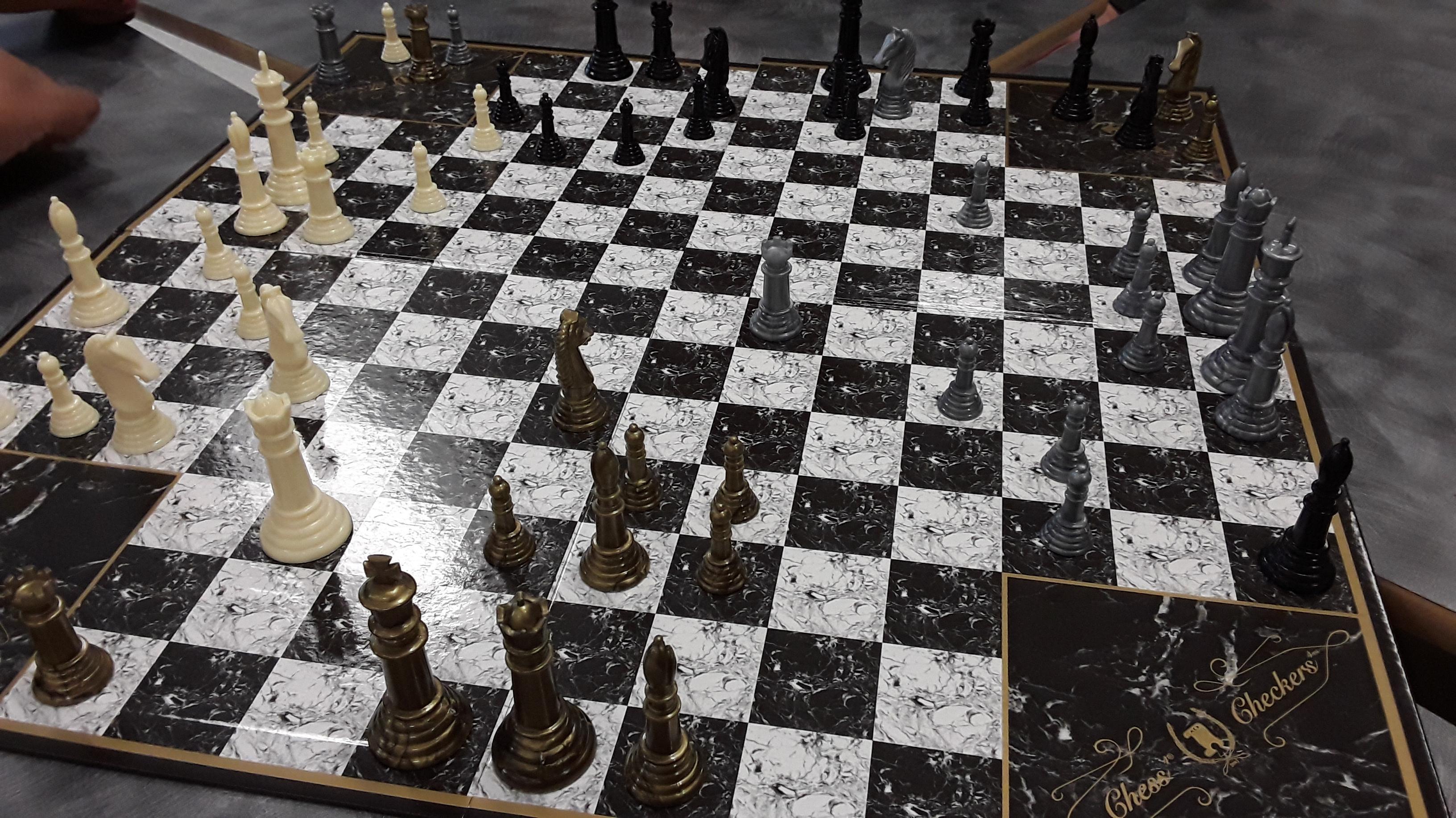 4 Person Chess R Mildlyinteresting Mildly Interesting Know Your Meme