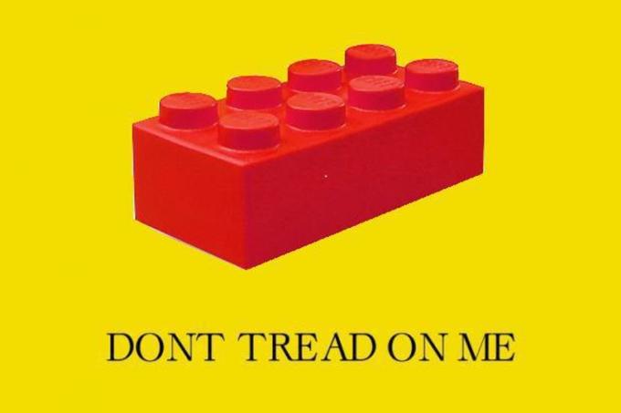 Gadsden Flag / Don't Tread On Me | Know Your Meme