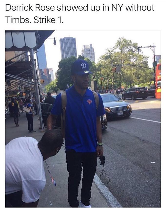 derrick rose showed up in ny without timbs strike 1