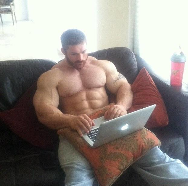Guy really meme skinny Jason Momoa