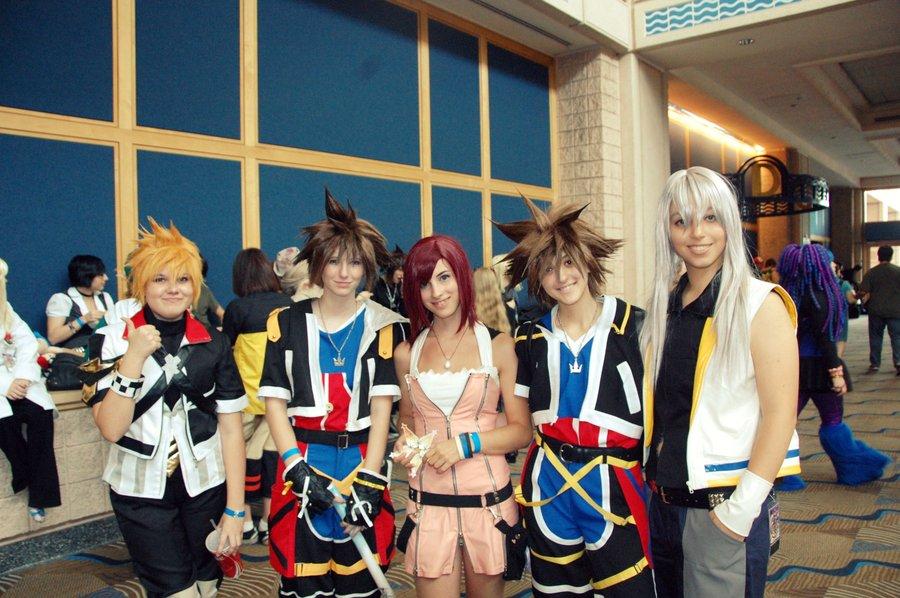 Kingdom Hearts Cosplay Group Kingdom Hearts Know Your Meme