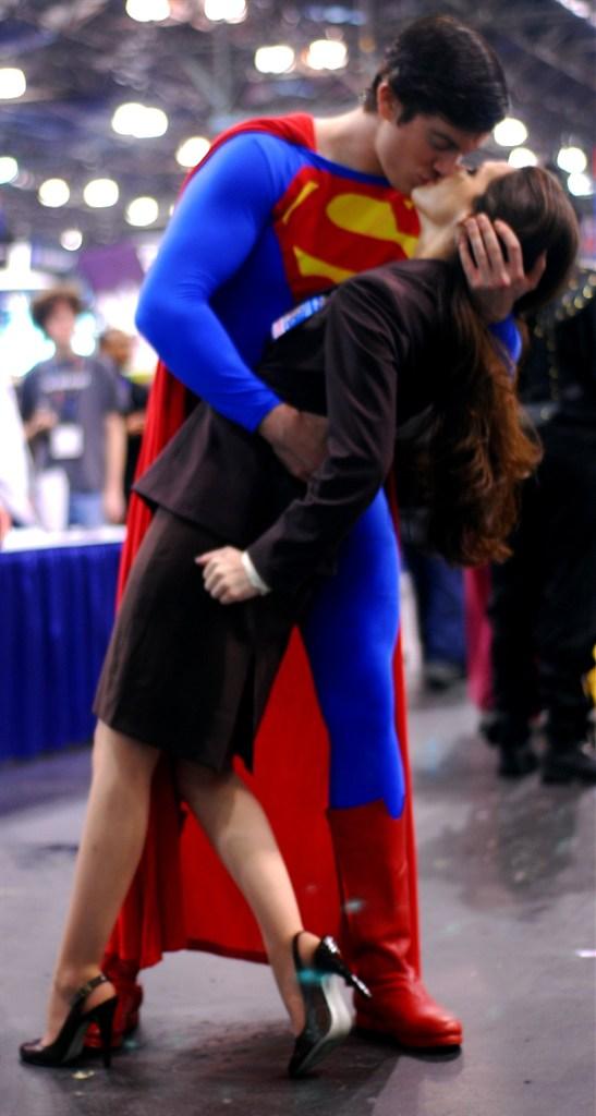 Lois Lane Clark Kent Supergirl Costume Superman blue superman costume  sc 1 st  Know Your Meme & Final Crisis Kiss :Crop: | V-J Day in Times Square | Know Your Meme