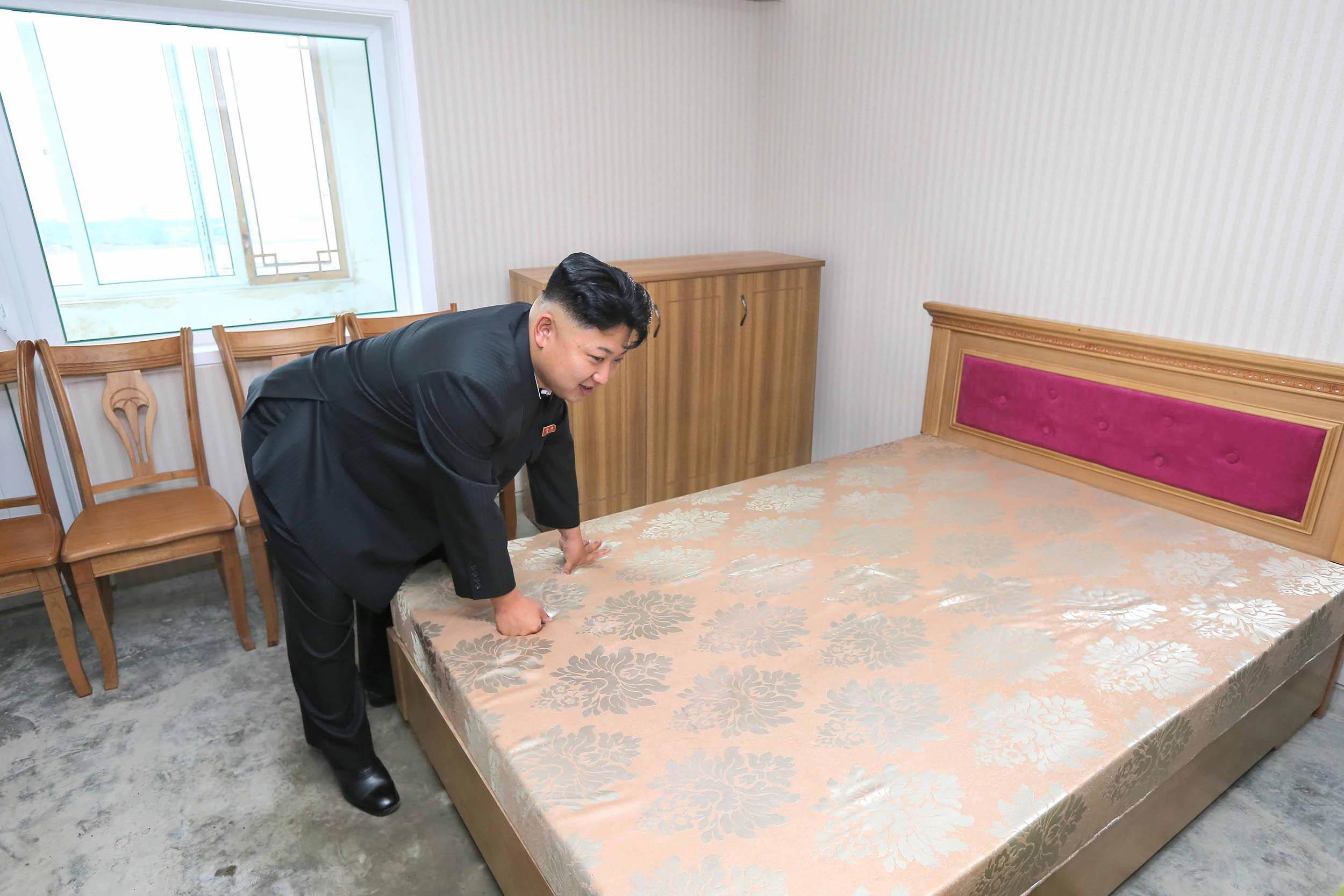 Kim Jong Un North Korea Furniture Floor Room Table Flooring Bed