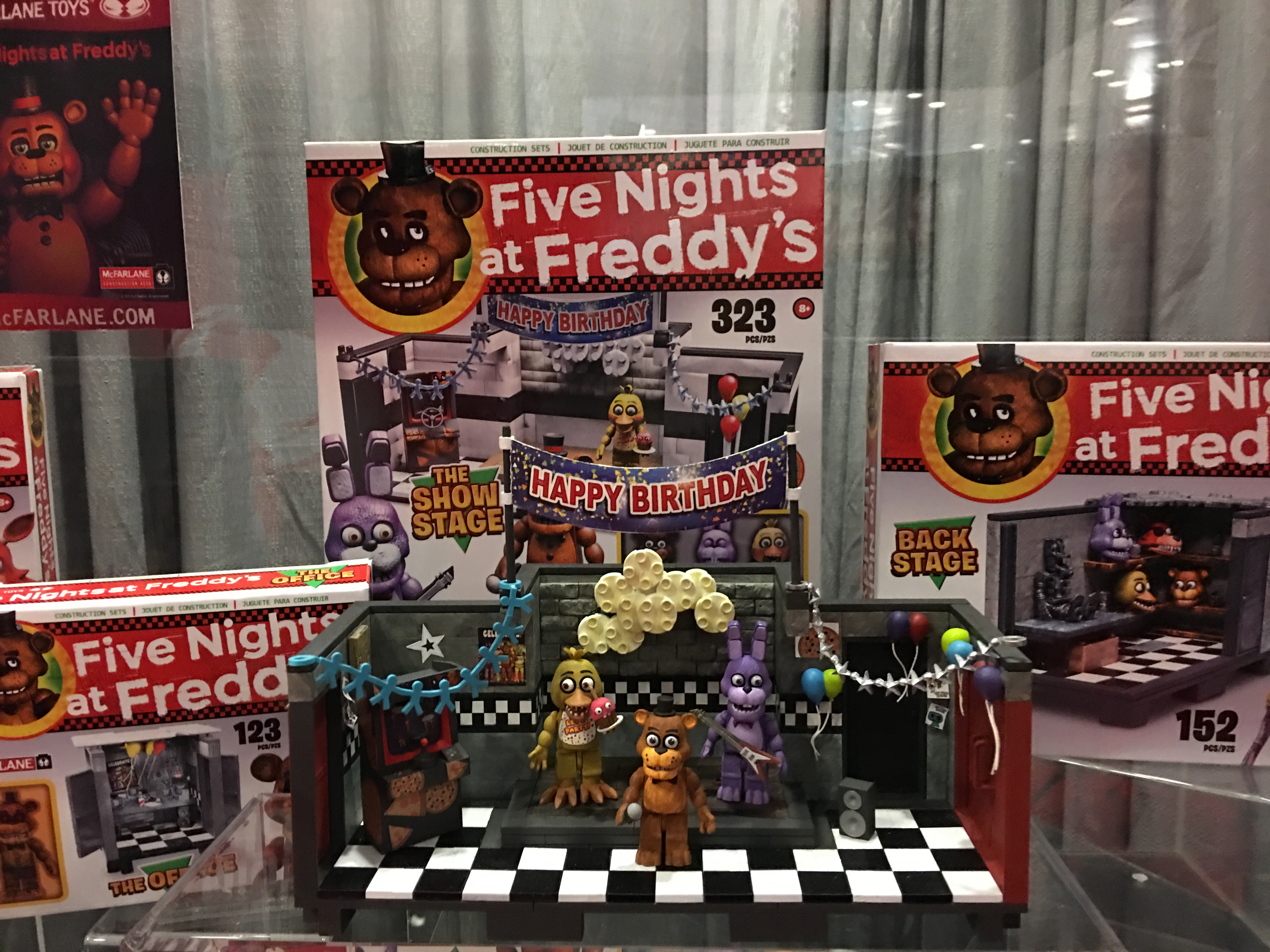FNAF Building set by McFarlane Toys   Five Nights at Freddy\'s   Know ...