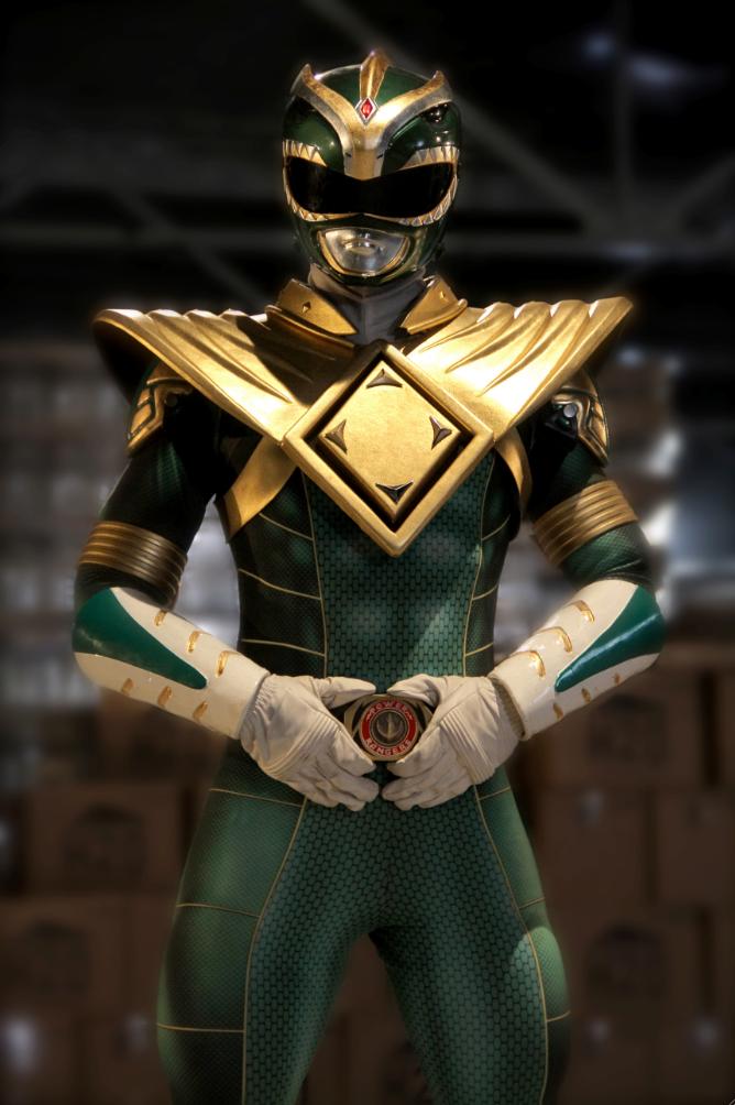 Super Power Beat Down's Green Ranger Suit | Power Rangers | Know