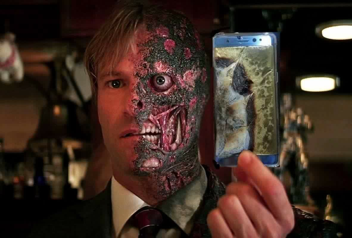 Two Face Samsung Galaxy Note 7 Explosion Controversy Know Your Meme