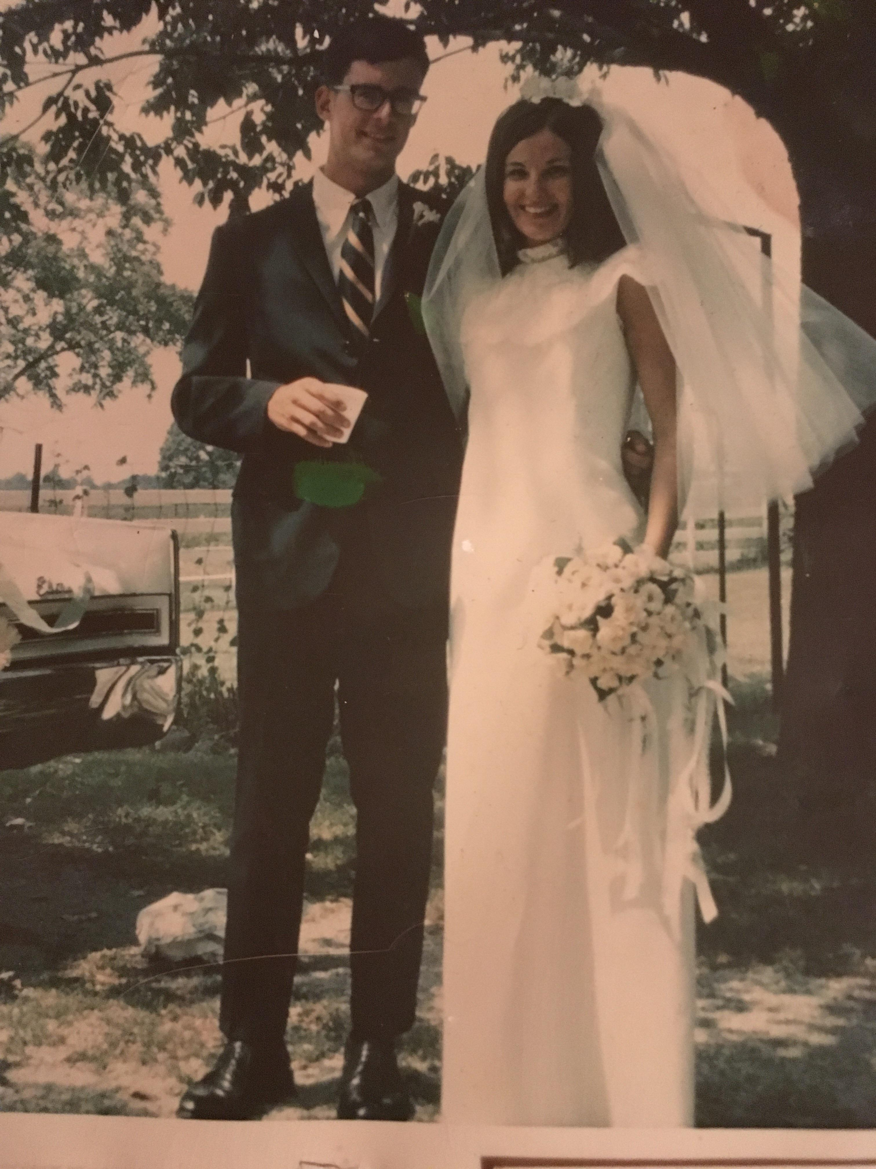 My parents on their wedding day 20 years ago today. 20/20/20   r ...
