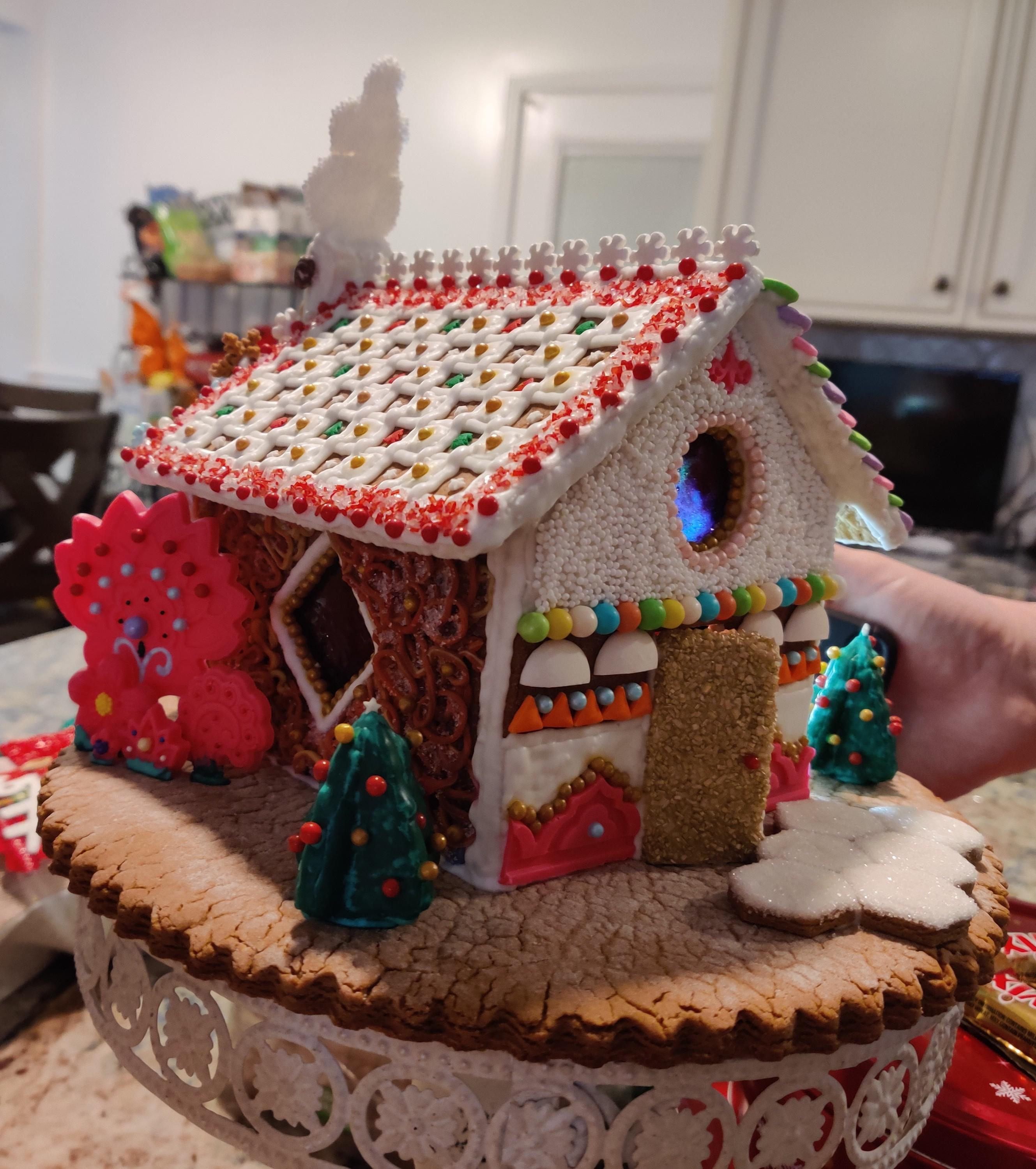 My mom took three days on this ginger house, I\u0027m so proud of